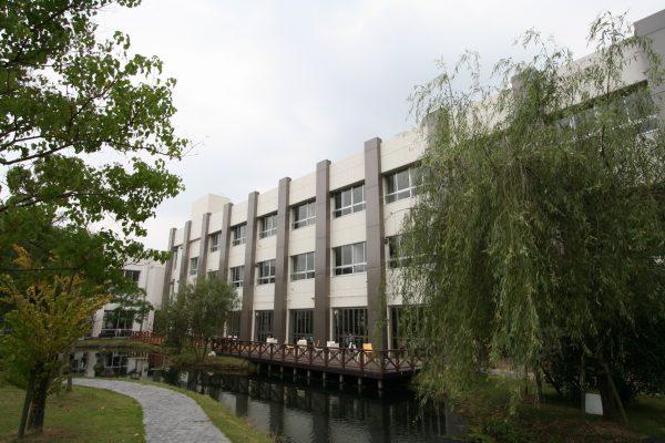 岐阜経済大学3号館‐1